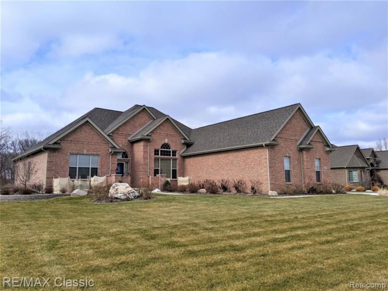 8459 TALON Court, Newport, MI 48166
