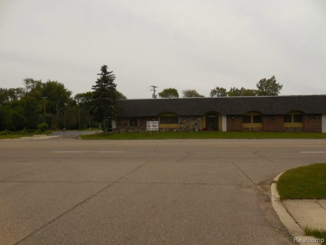 30325 6 Mile Road, Livonia, MI 48152