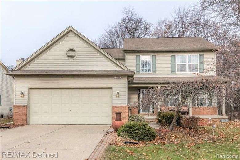 2216 FOREST HILLS Drive N, Lake Orion, MI 48359