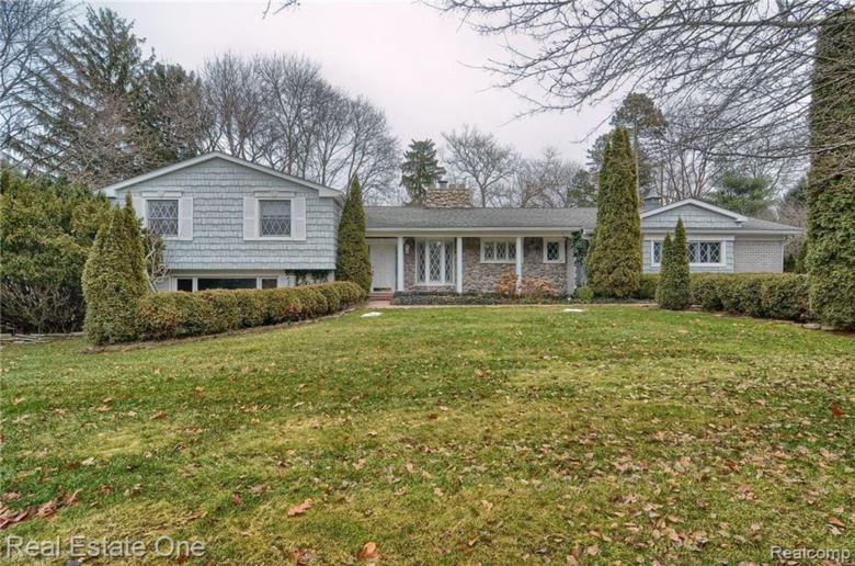 1631 APPLE Lane, Bloomfield Twp, MI 48302