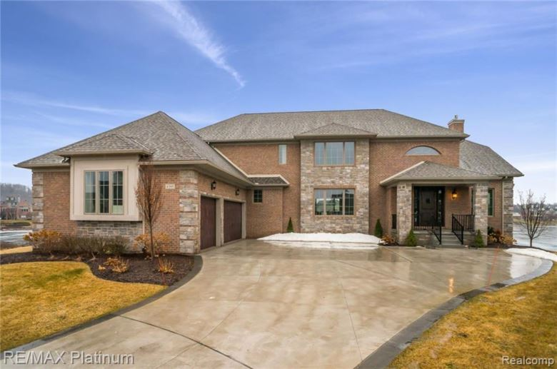 8395 PIER POINT Court, South Lyon, MI 48178
