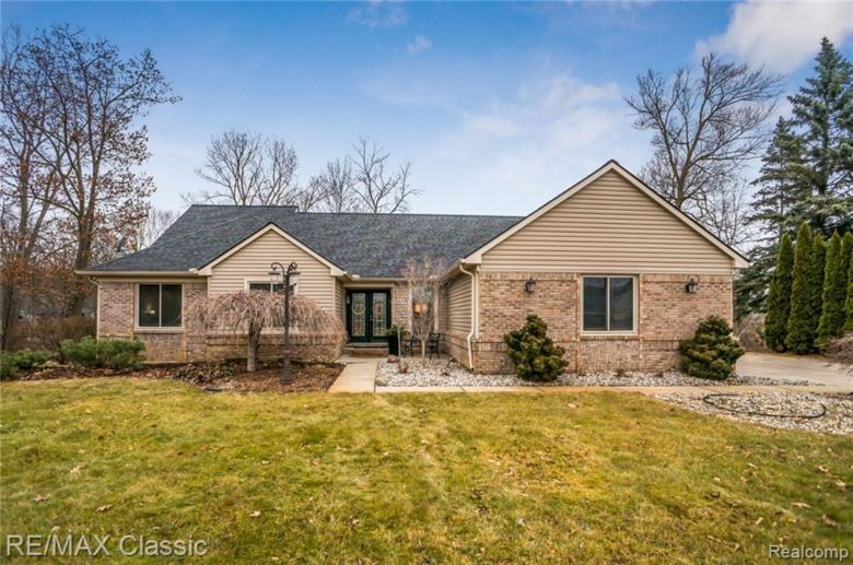 4141 LAKE STISON Drive, White Lake Twp, MI 48383