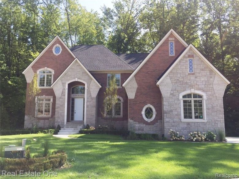 55784 BARBERRY Drive, Shelby Twp, MI 48316