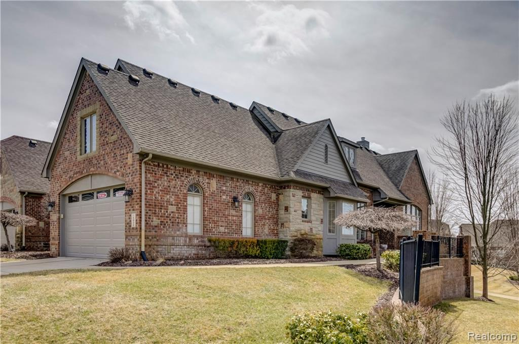 10832 Sparkling Waters Court, South Lyon, MI 48178