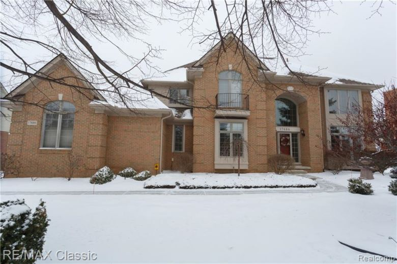 17686 ROLLING WOODS Circle, Northville, MI 48168