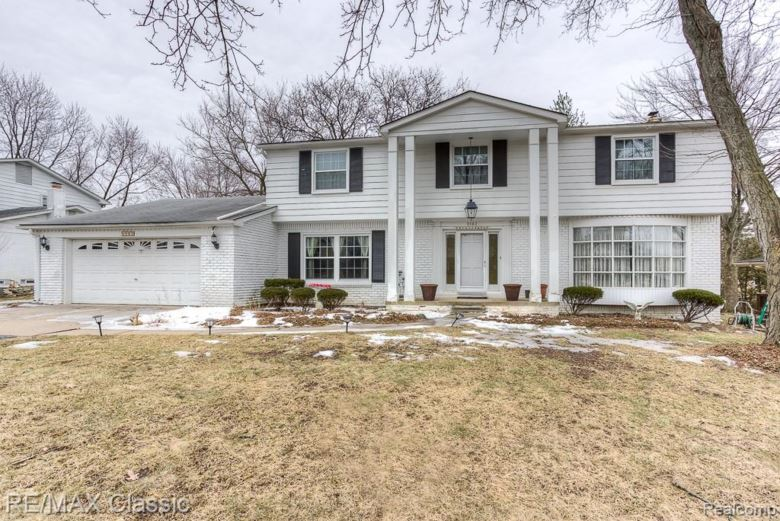 5583 Pembury, West Bloomfield, MI 48322