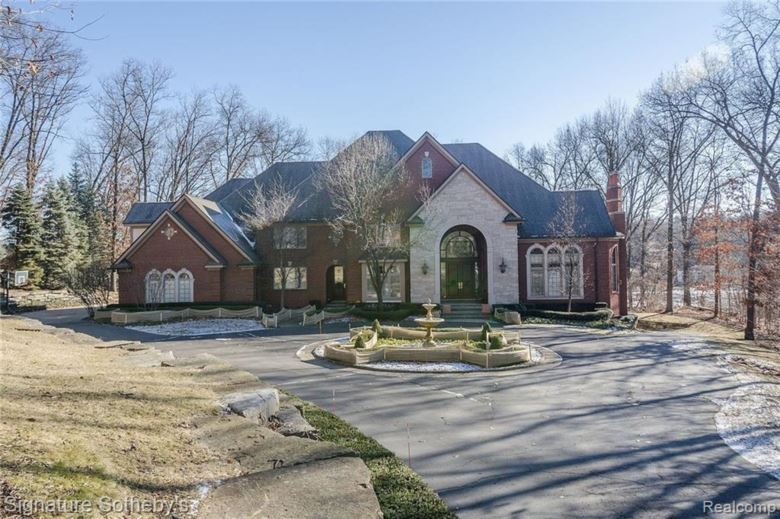 5025 FOREST VALLEY Drive, Clarkston, MI 48348