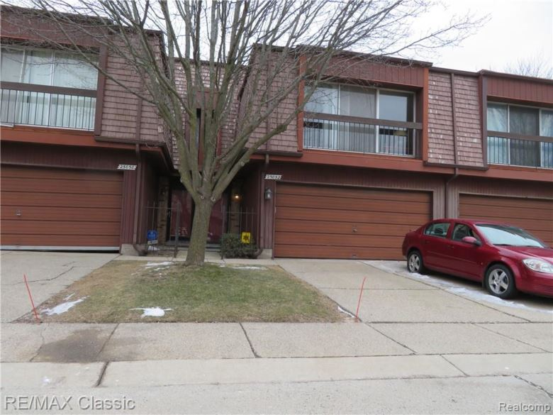 25052 SHERWOOD Circle, Southfield, MI 48075