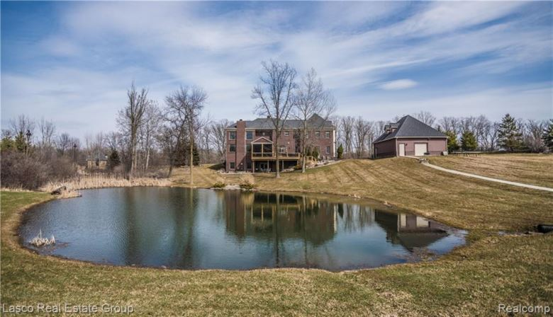 9094 HIGHGROVE Court, Grand Blanc, MI 48439