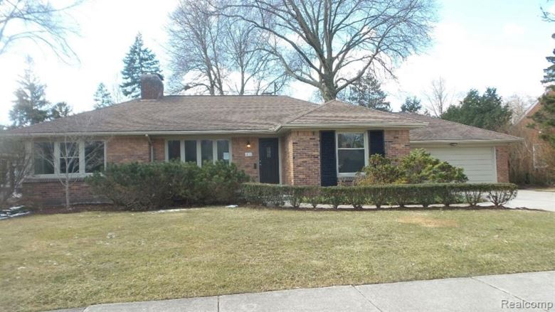 417 LEXINGTON Road, Grosse Pointe Farms, MI 48236