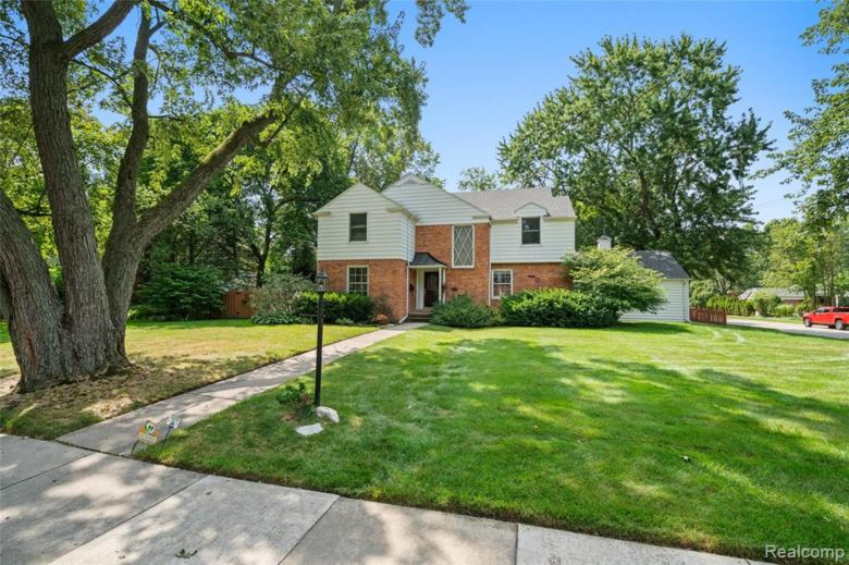 1715 CEDAR HILL Drive, Royal Oak, MI 48067