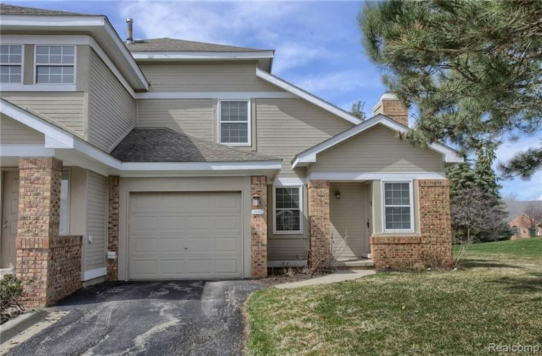 6611 Chimney Sweep Court, West Bloomfield, MI 48322