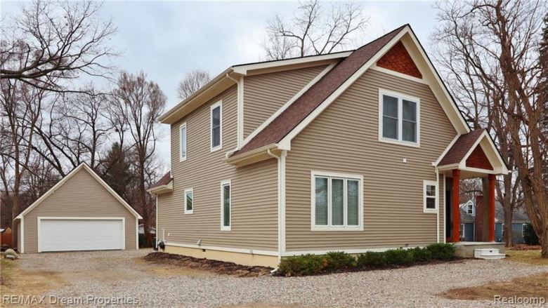 7403 COOLEY LAKE Road, West Bloomfield, MI 48324
