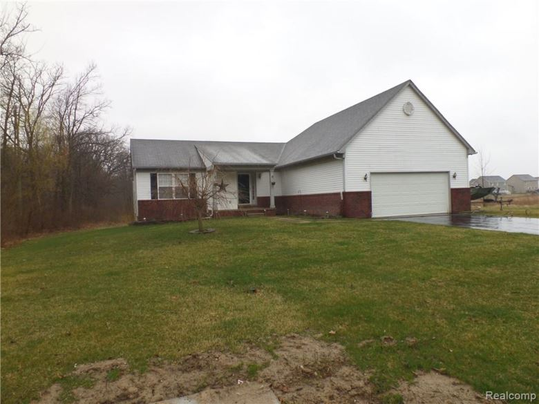 8258 HIDDEN COVE Court, Grand Blanc, MI 48439