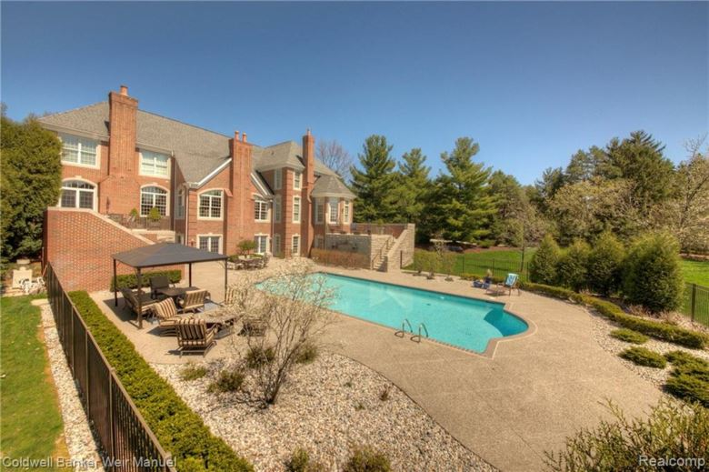 13307 Mystic Forest Drive, Plymouth, MI 48170