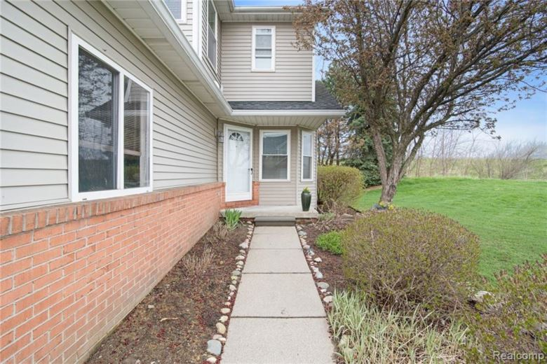 1483 Steeplechase Court  #71, Howell, MI 48843