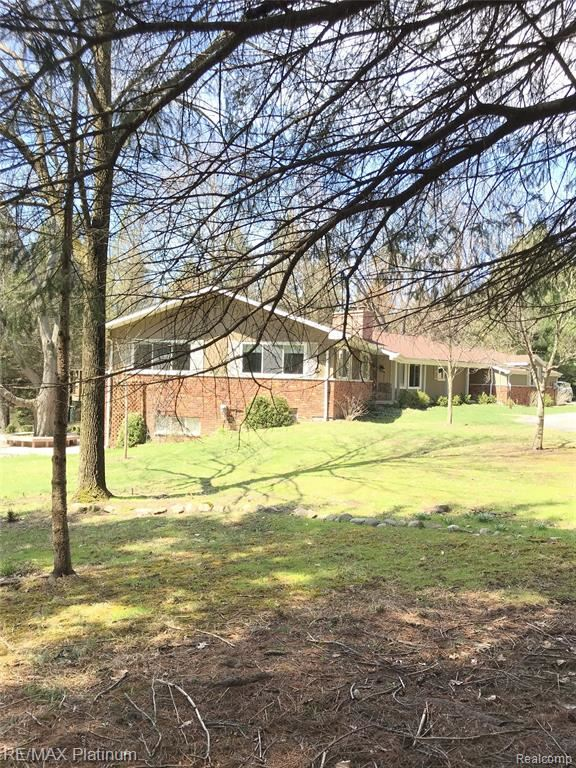 3296 CURDY Road, Howell, MI 48855