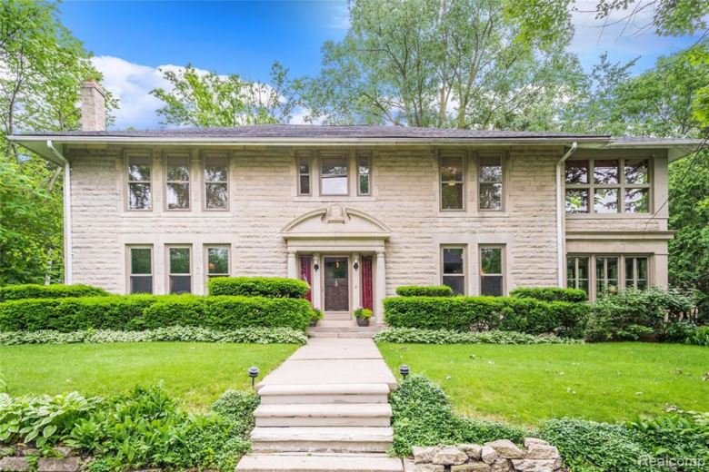 130 E Sunnybrook Drive, Royal Oak, MI 48073