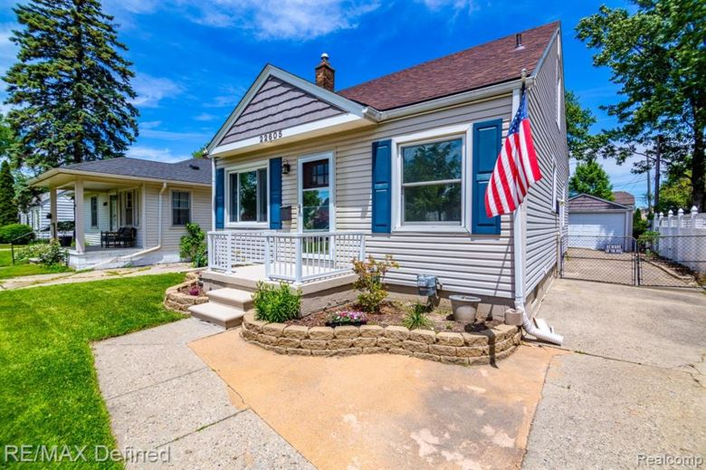 22605 DOWNING Street, St. Clair Shores, MI 48080