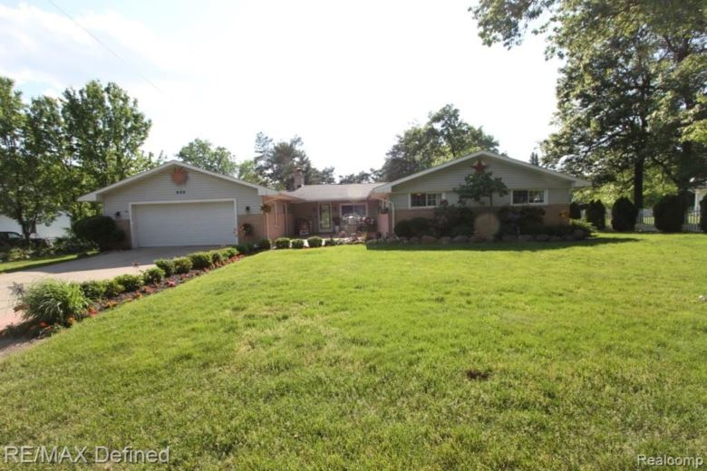 800 HINFORD Avenue, Lake Orion, MI 48362