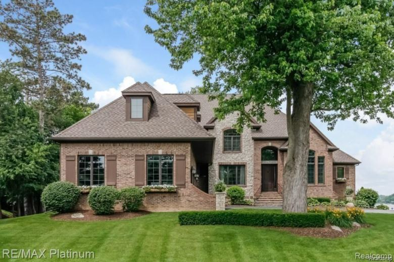 3476 HILTON POINTE Court, Brighton, MI 48114