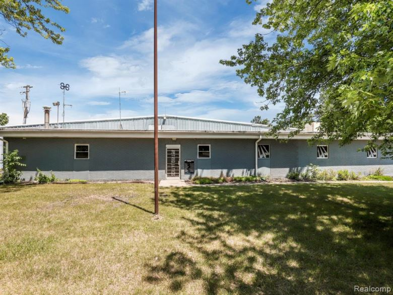 2956 Frembes Road, Waterford, MI 48329