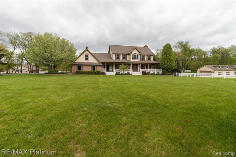 12983 Holtforth Road, Fenton, MI 48430