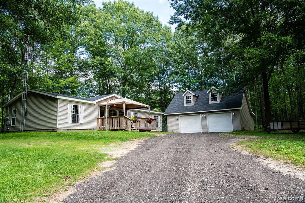5448 ROOD Road, Holly, MI 48442