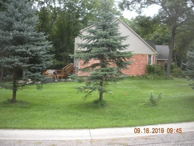 3350 PARK FOREST Drive, West Bloomfield, MI 48324
