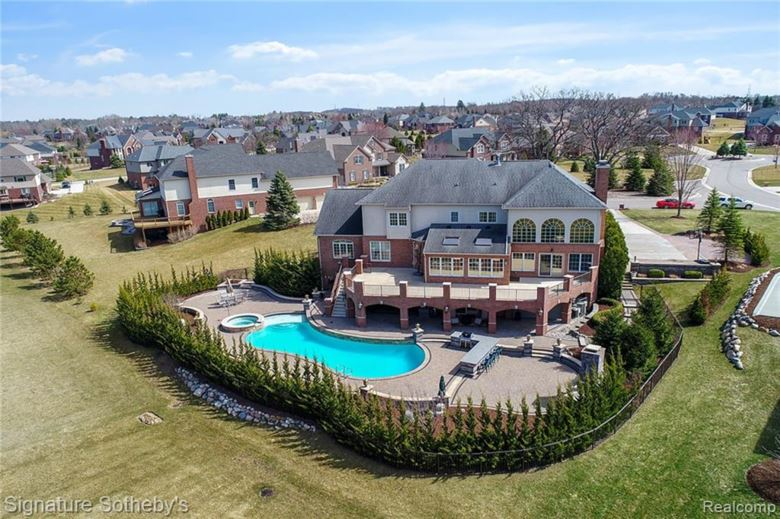 3759 RED MAPLE Court, Oakland Twp, MI 48363