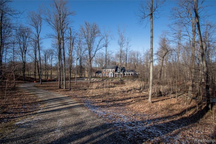 2401 E BROCKER Road, Metamora, MI 48455