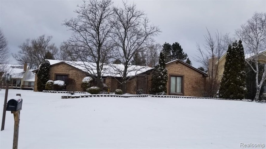 4538 STRANDWYCK Road, West Bloomfield, MI 48322