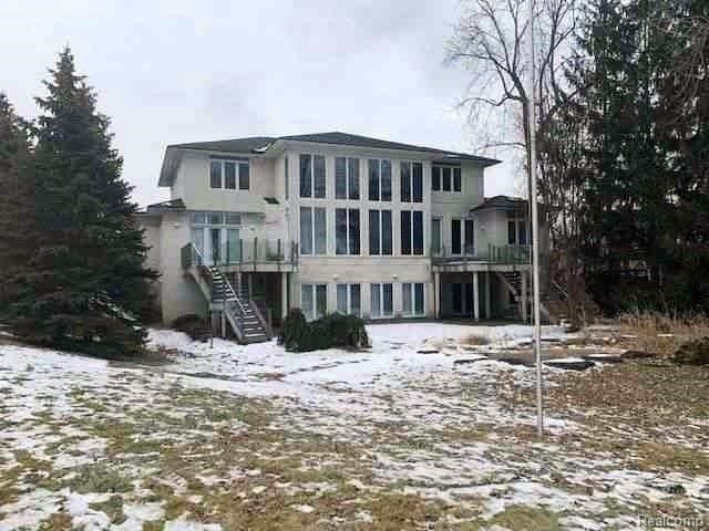 1289 FOREST BAY Drive, Waterford, MI 48328