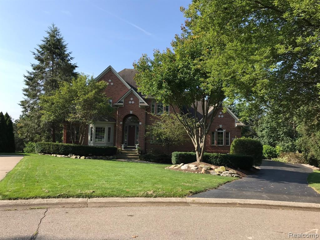 4308 MUIRFIELD Drive, Brighton, MI 48116