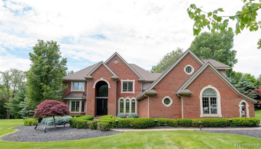8582 Forestview Drive, Canton Twp, MI 48187