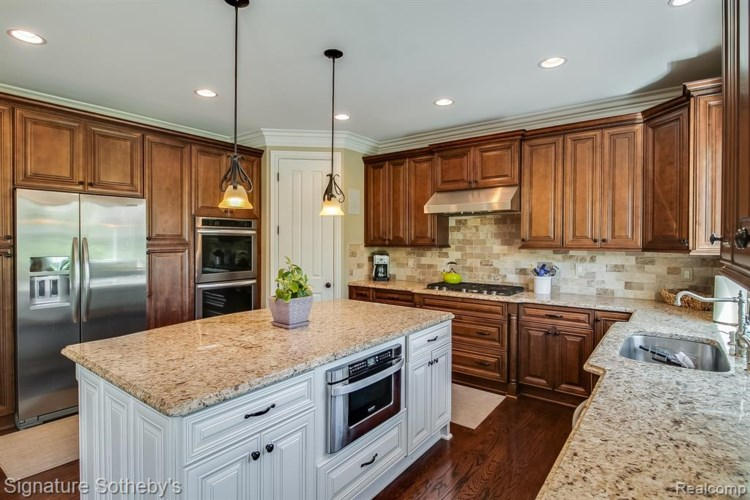 2703 MIDDLEBURY Lane, Bloomfield Hills, MI 48301