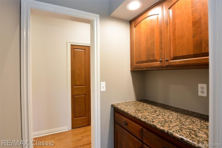 23170 INVERNESS Court, Novi, MI 48374