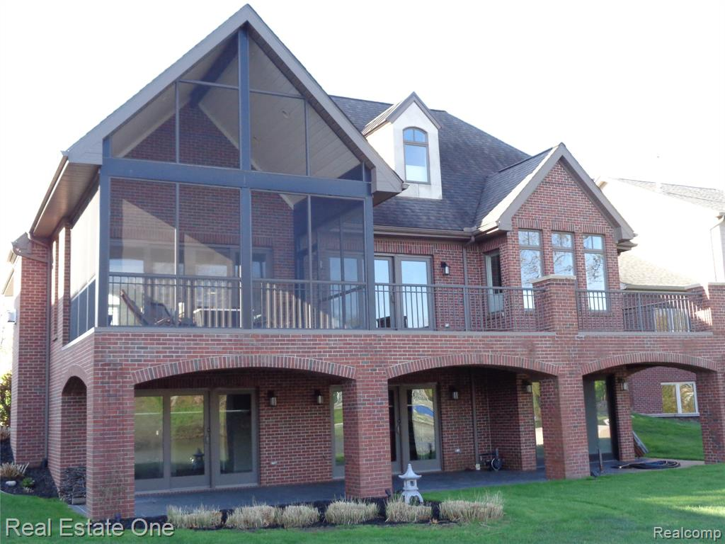 4232 BAY SHORES Drive, Waterford, MI 48329