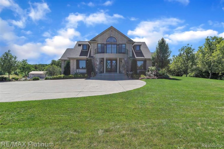 53541 8 MILE RD, Northville, MI 48167