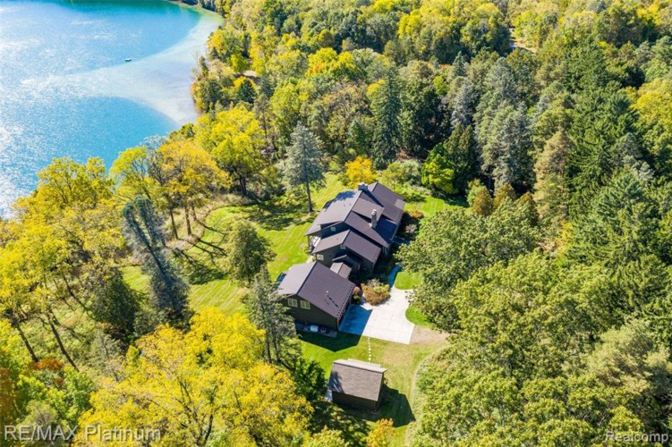 3500 BRIAR HILL COURT, Highland, MI 48357