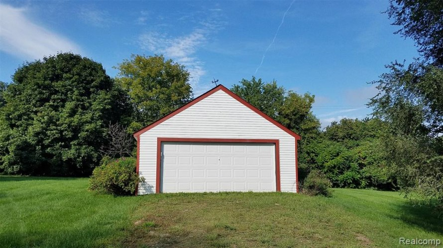 11505 N BECK Road, Plymouth, MI 48170