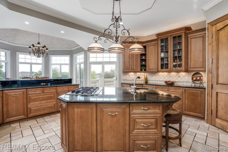 4995 Rockaway Lane, Clarkston, MI 48348