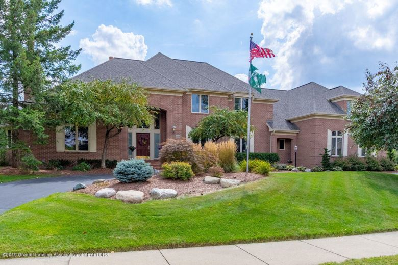 2571 Meadow Woods Drive, East Lansing, MI 48823