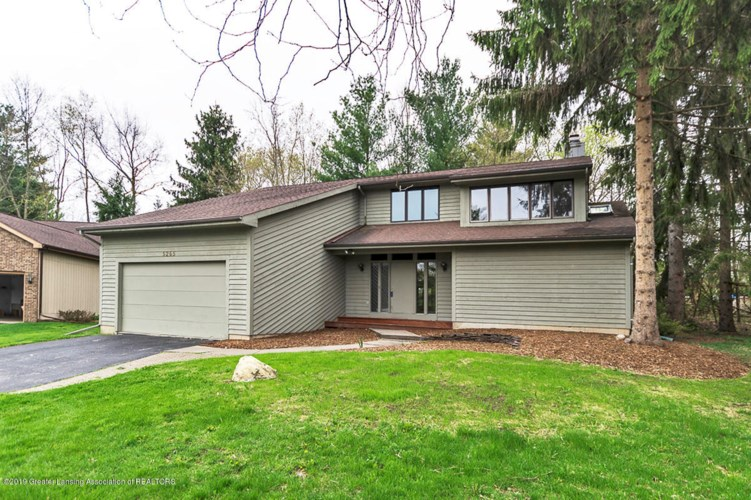 5265 Bear Lake Drive E, East Lansing, MI 48823
