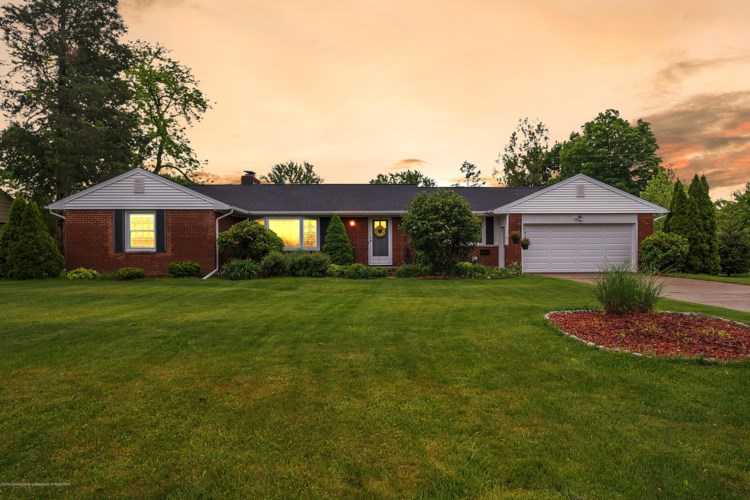 618 Walbridge Drive, East Lansing, MI 48823