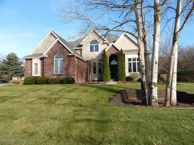 2550 Hummingbird Lane, Holt, MI 48842
