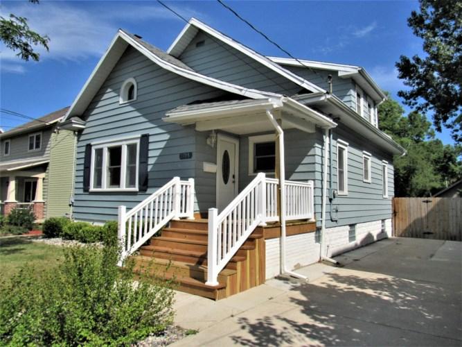 1308 Ottawa Street W, Lansing, MI 48915