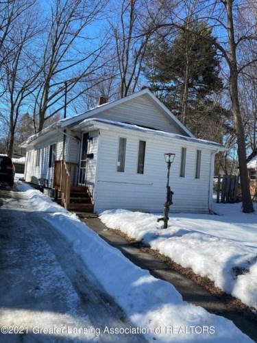 1733 Robertson Avenue, Lansing, MI 48915