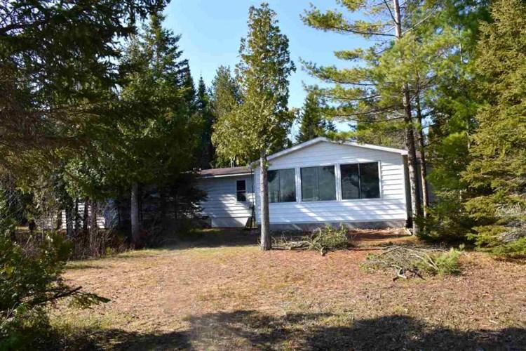 3707 Pointe Drive, Carp Lake, MI 49718