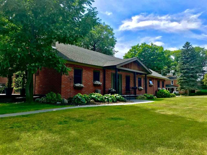 179 W Summit Street, Harbor Springs, MI 49740